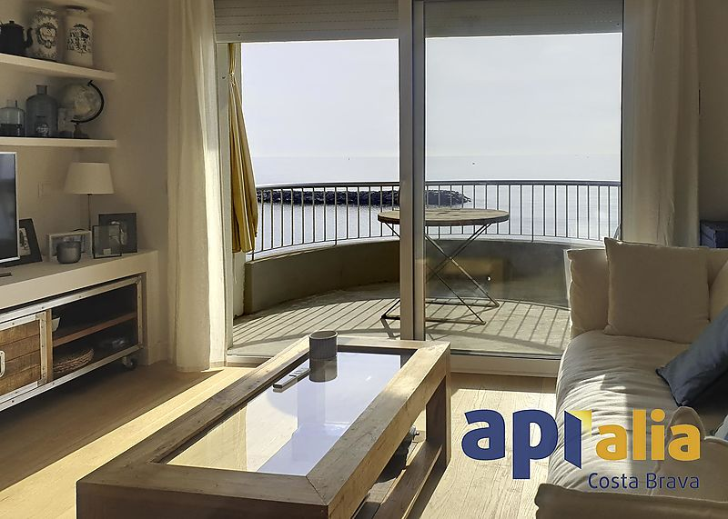 SEA FRONT APARTMENT - GREAT VIEWS
