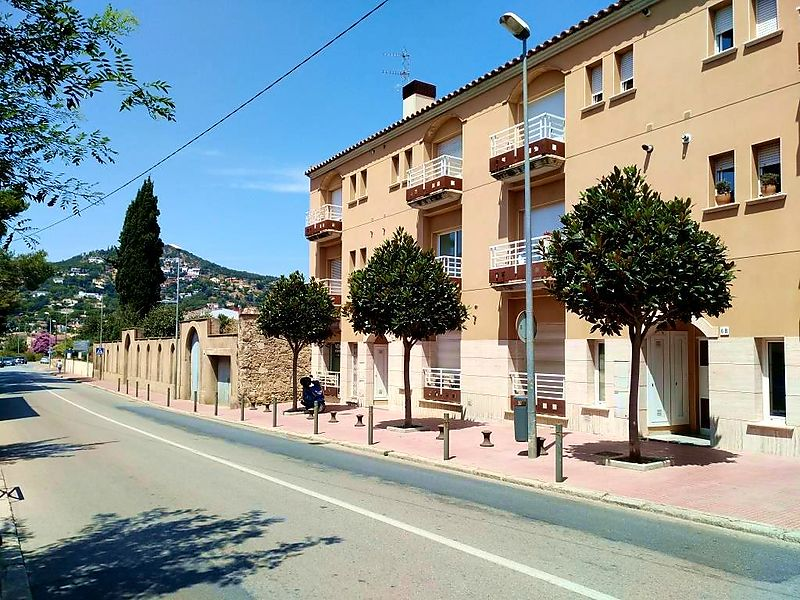 For sale central apartment in the town of Calonge, near the best beaches of the Costa Brava