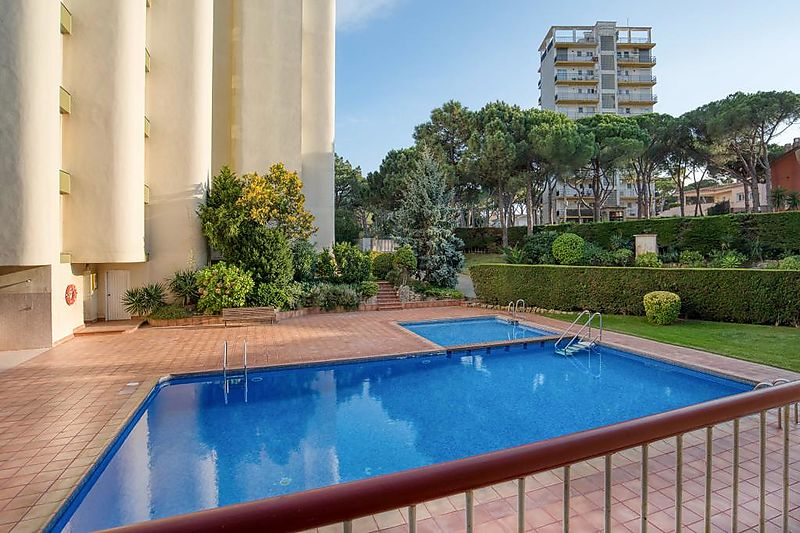 2 Bedroom apartment with swiming pool