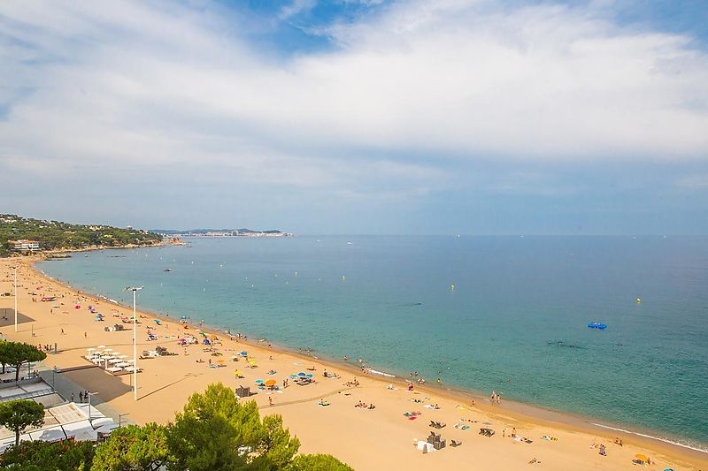 Exclusive 140m2 apartment on the front line of Platja d'Aro.