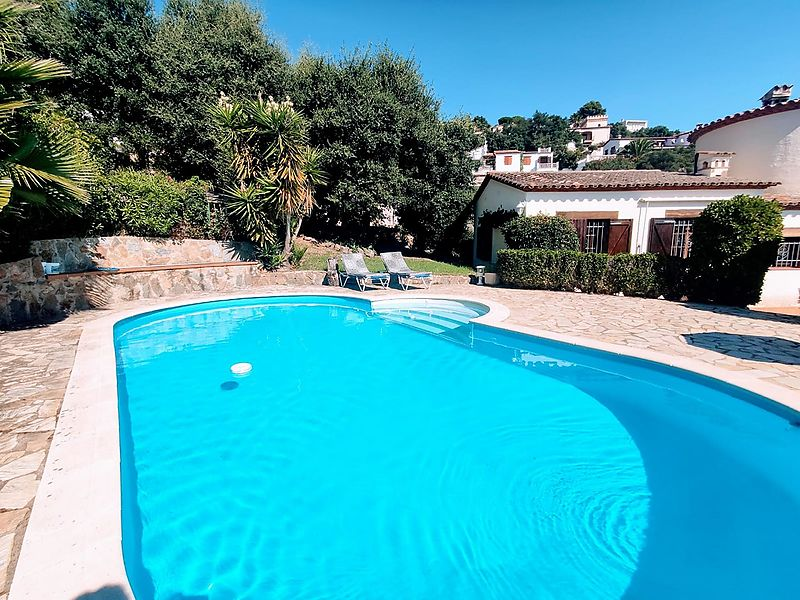House with garden and pool, very quiet residential.